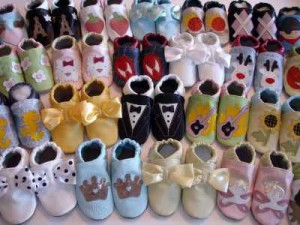Первая детская обувь: как выбрать первую обувь ребенку