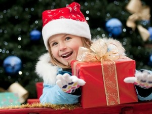 Сладкий новогодний подарок для малыша: как правильно собрать и оформить