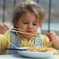 Почему толстеют дети: причины детского ожирения, чем грозит ожирение ребенку