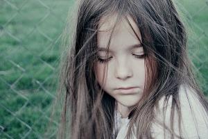 Скрытность ребенка: почему он таким становится, основные причины