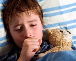 Лающий кашель у ребенка: с температурой и без температуры, лечение