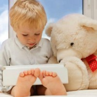 Ребенок и планшет: подводные камни модных игрушек