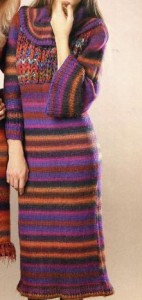 Платье с кокеткой спицами: описание вязания, схема, фото