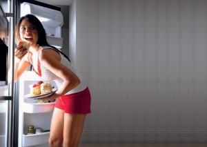 Вредно ли есть на ночь при беременности: отзывы. Правильный распорядок питания во время беременности