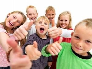 Группа активистов устроила в Хабаровске праздник для детдомовских ребят