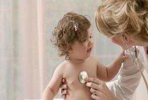 Диспансеризация в первый год жизни. Каких врачей нужно обойти?