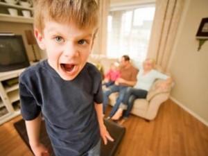 Возрастные кризисы: кризисные периоды у детей. Кризис трех лет
