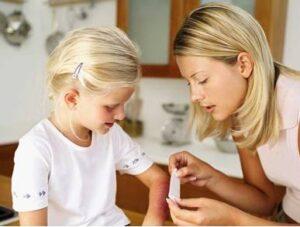 Ожоги у детей: степени ожогов, что делать и чем лечить