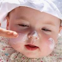Детская косметика по уходу за кожей: зачем нужна и из чего делают