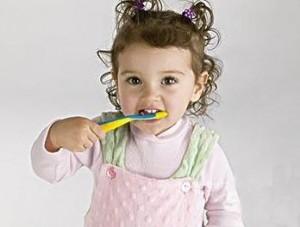 Уход за зубами малыша