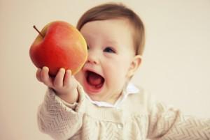 Яблоко в рационе питания ребенка. Когда можно давать ребенку яблоко