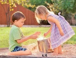 Общение на детской площадке. Как правильно вести себя на прогулке