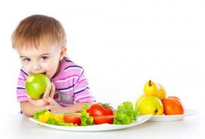 Чем кормить ребенка в жару? Советы по кормлению