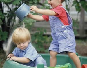 Правила поведения на детской плащадке. Как избежать ссор и обид