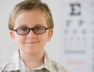 Астигматизм у детей: причины и лечение