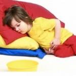 Почему болит живот у ребенка