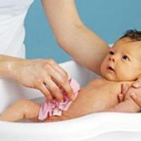 Температурный режим для новорожденного: температура воздуха, ванны, прогулки