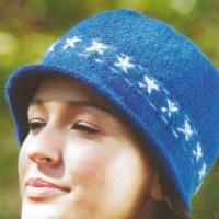 Как связать модную шапочку