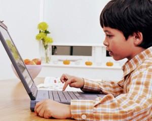 Влияние компьютеров и гаджетов на зрение детей. Как развивается близорукость и когда обращаться к офтальмологу