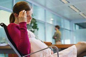 Белые выделения при беременности: норма, паталогия. Что делать при белых выделениях при беременности