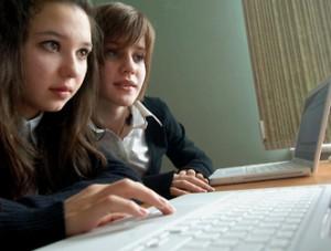 Правильно общаться в интернете детей учит Министерство Чрезвычайных Ситуаций РФ