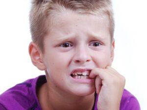 Нервные тики у детей: причины, симптомы, лечение