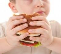Огромный процент родителей даже не подозревают о том, что у их детей имеется лишний вес
