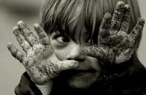 Микробы и дети: опасны они или нет? Полезные и патогенные микроорганизмы