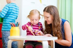 Как и где найти няню ребенку? Договор с няней