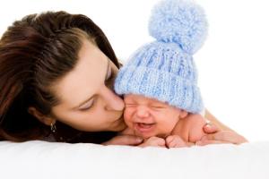 Причины детского плача. Как и чем помочь ребенку