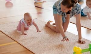 Польза ползания ребенка